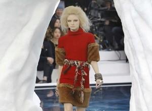 Chanel, sfilata tra i ghiacci