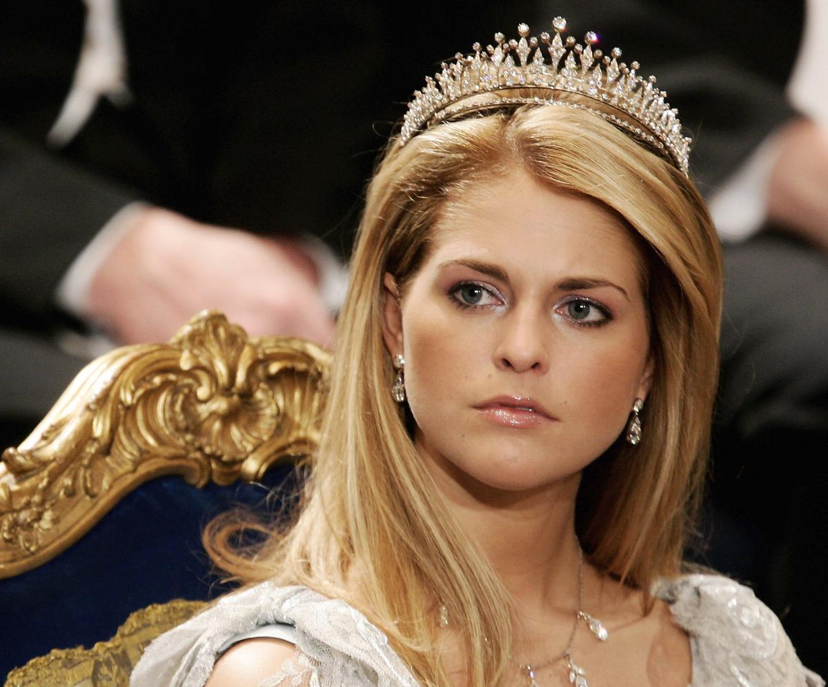 Storia della svedese abito da sposa