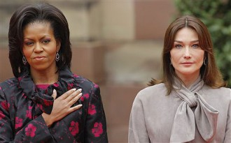 47fa6535803 A tea with the Queen  Carla o Michelle