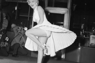 Marilyn Monroe on Subway Grate