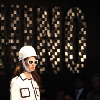 moschino ss  fashion show