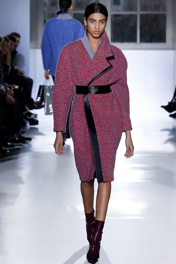 balenciaga cappotto rosso