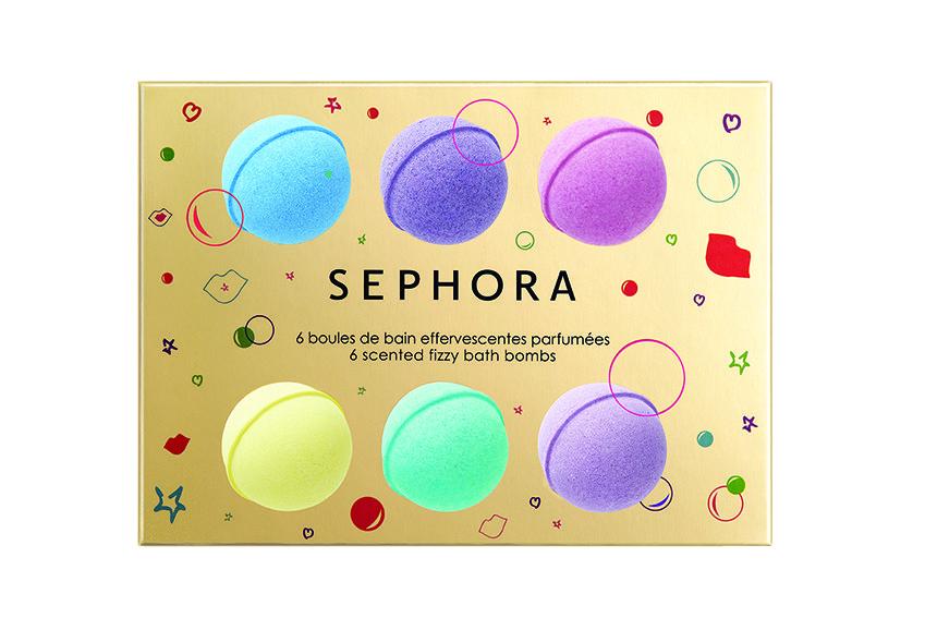 6 diversi colori ed effetti da sciogliere in acqua. Il risultato? Pelle morbida e profumata, avvolta da un'esclusiva fragranza floreale molto accattivante. € 9,90