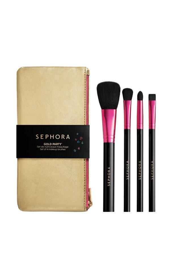 Un set 4 di pennelli con custodia dorata per makeup viso e occhi €19,90