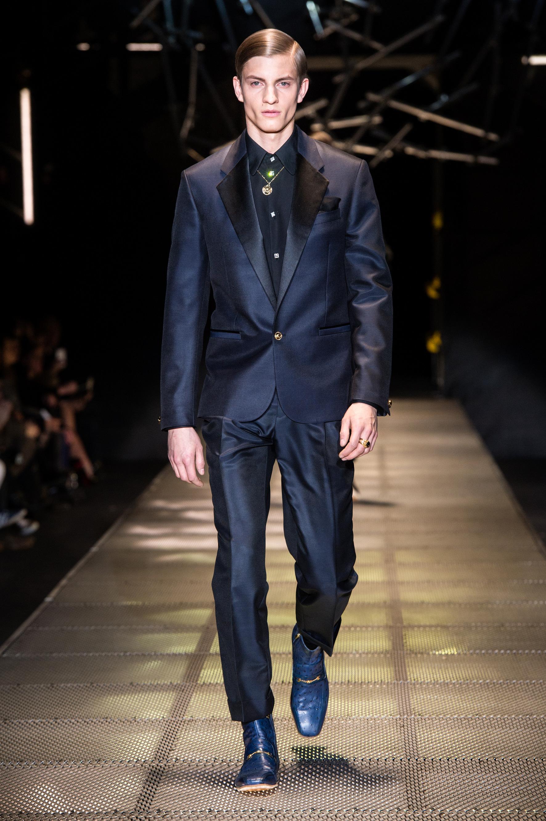 Abiti Versace Uomo » Versace uomo primavera estate. Abito uomo sposo ... f06e5faca35
