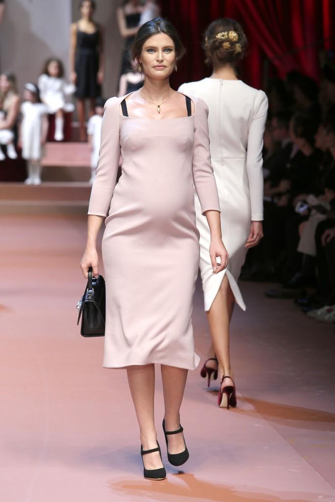 Bianca Balti incinta per Dolce & Gabbana