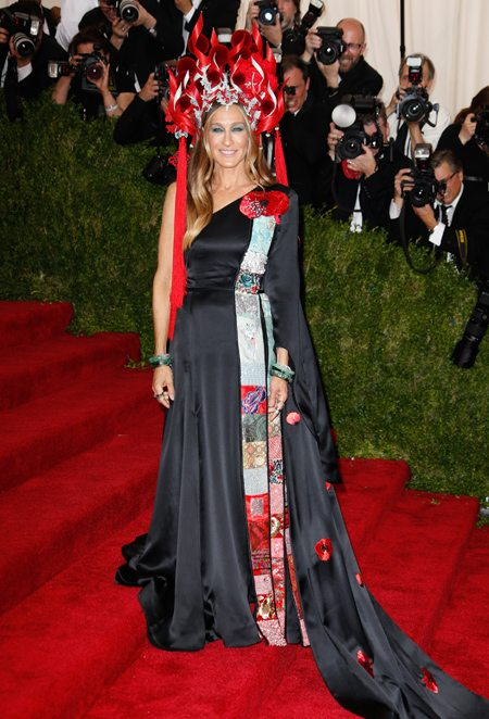 **USA ONLY** New York, NY - Sarah Jessica Parker at the Met Gala celebrating the China: Through the Looking Glass exhibition opening. AKM-GSI            May 4, 2015 **USA ONLY** To License These Photos, Please Contact : Steve Ginsburg (310) 505-8447 (323) 423-9397 steve@akmgsi.com sales@akmgsi.com or Maria Buda (917) 242-1505 mbuda@akmgsi.com ginsburgspalyinc@gmail.com