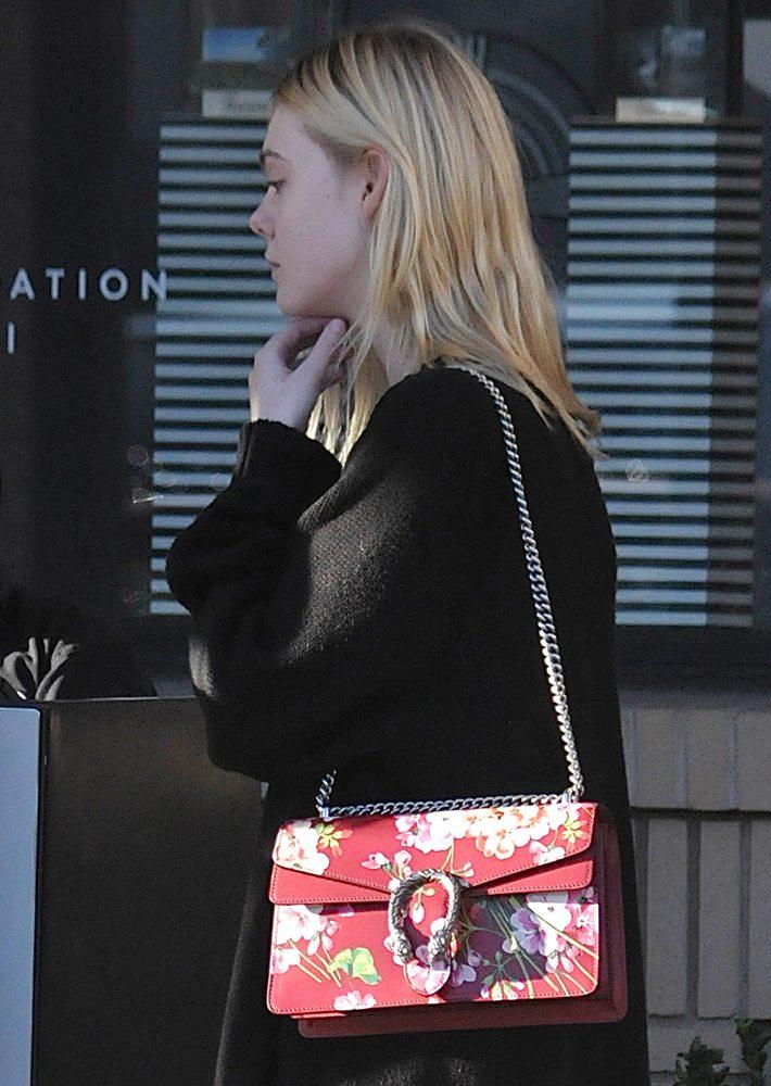 Elle-Fanning-Gucci-Dionysus-Blooms-Bag
