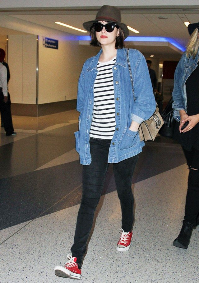 the-new-it-bag-our-favorite-celebs-are-already-wearing-1057774.640x0c