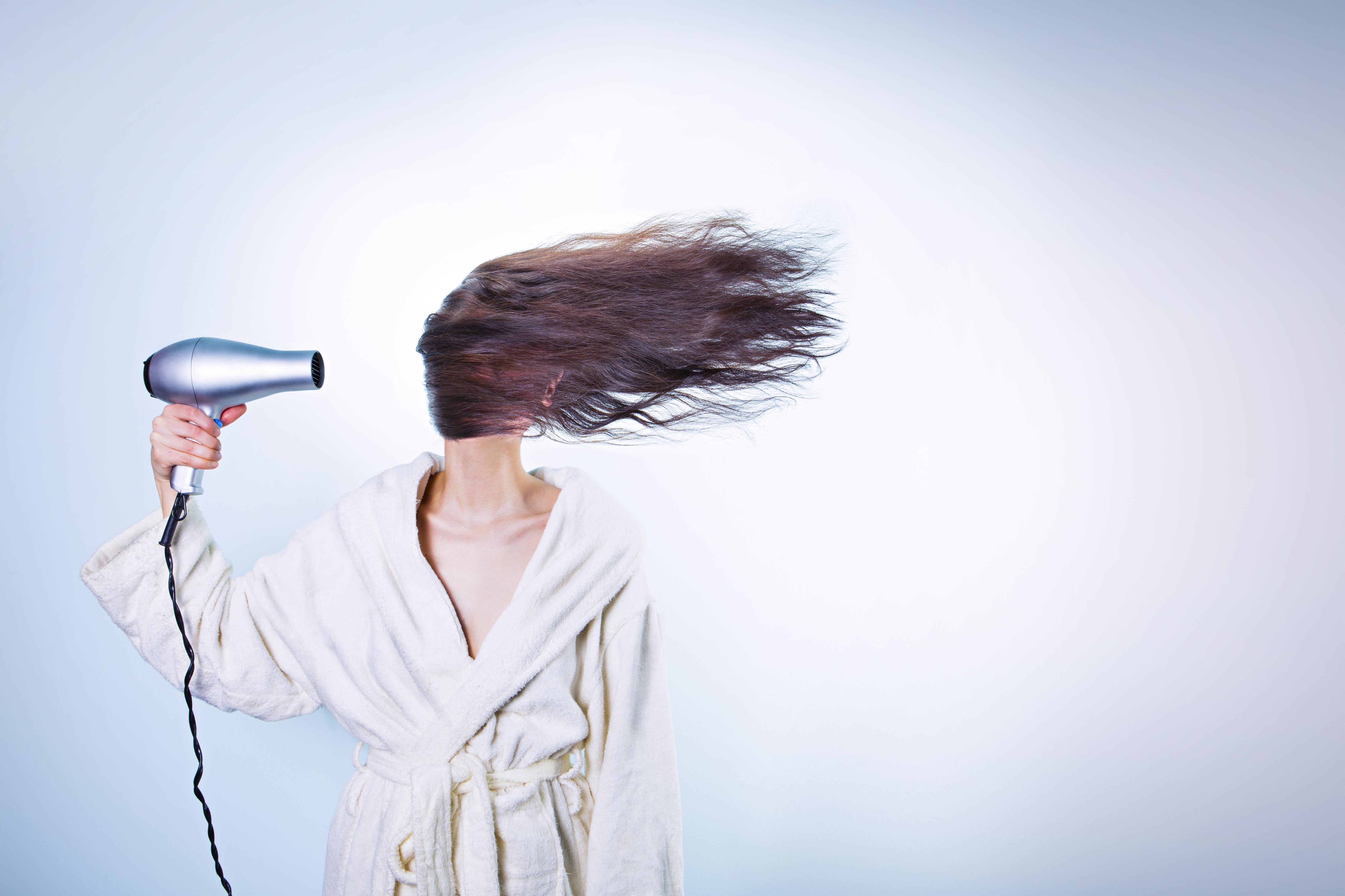 5 motivi per cui vi serve un asciugacapelli agli ioni