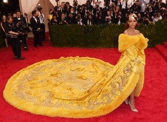 Rihanna Met 2015