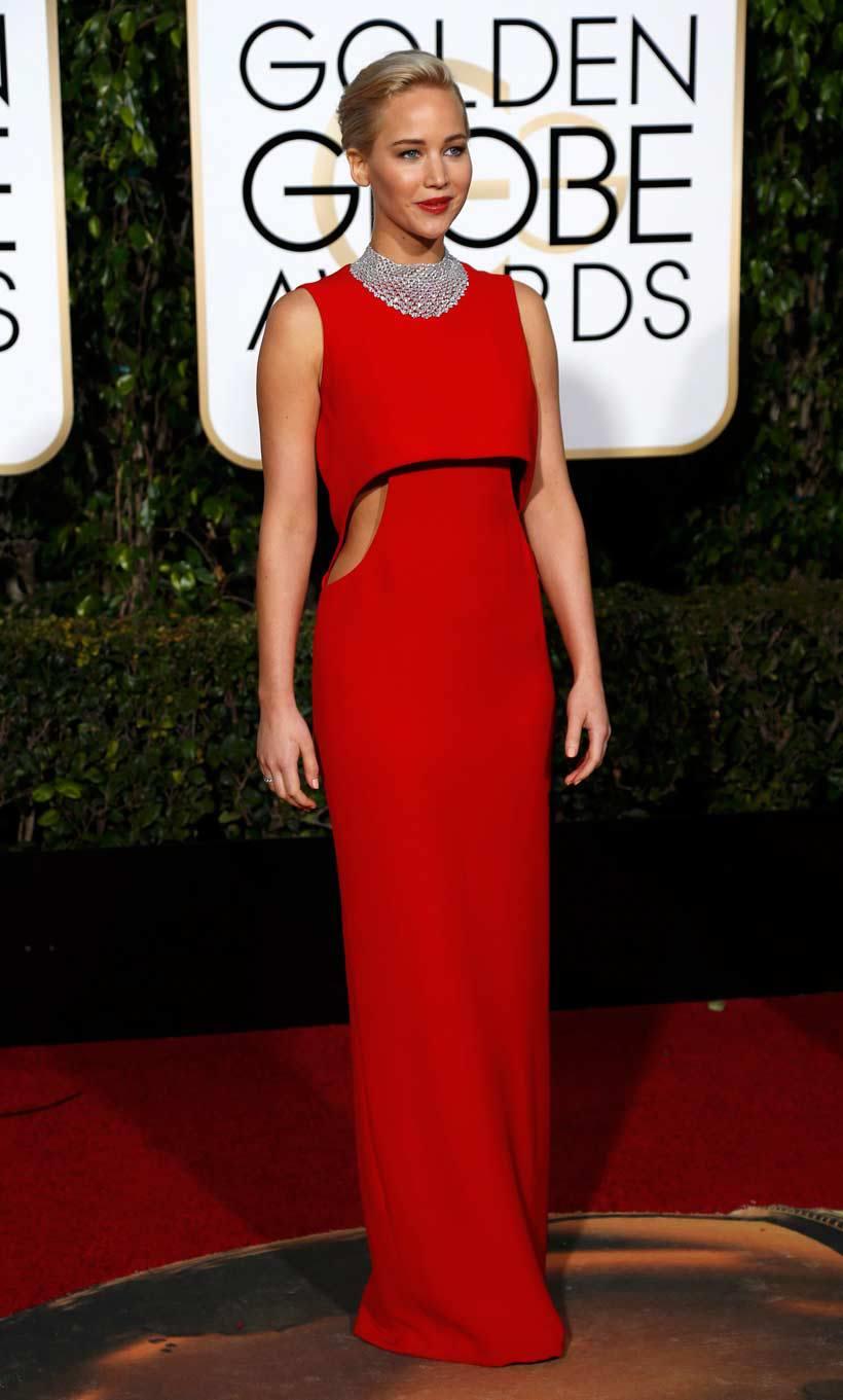 Jennifer Lawrence in Dior - eleganza contemporanea, rappresenta esattamente il modello di diva del nuovo millennio. Un sogno in rosso