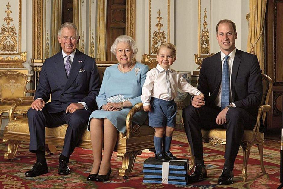Elisabetta II, Carlo, William e George