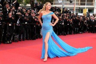 Blake Lively Atelier Versace  - L'attrice fa il bis e vince ancora con lo splendido abito che stavolta svela la gravidanza della bella Blake