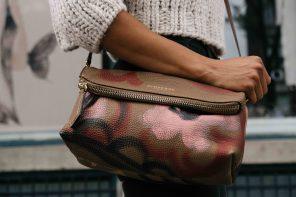 Donne e accessori, una storia d'amore online