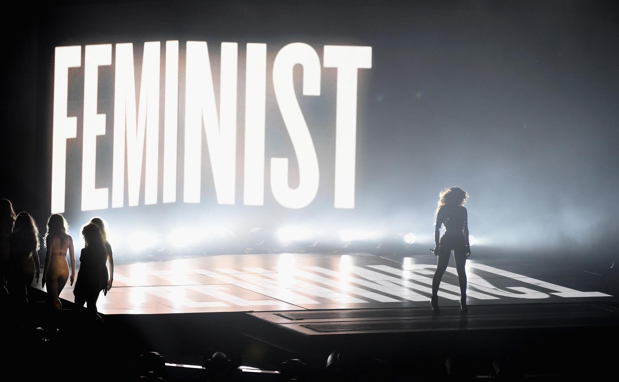 Beyonce Feminist VMAs 2017, lanno delle donne | Gennaio Cover Story