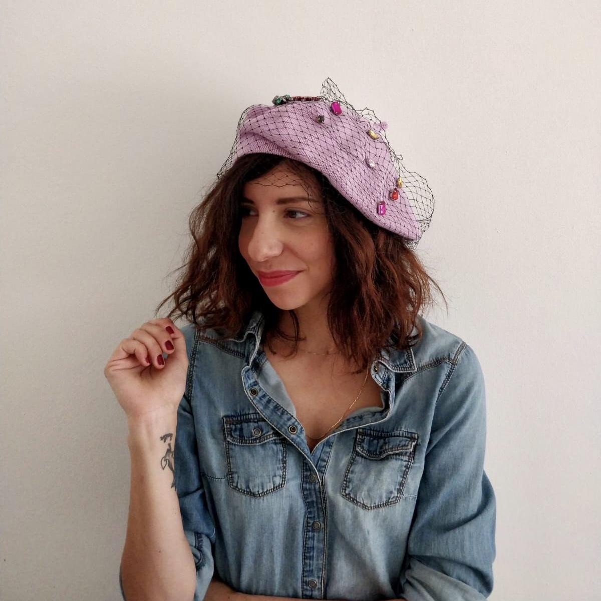 simona melani cappello con veletta