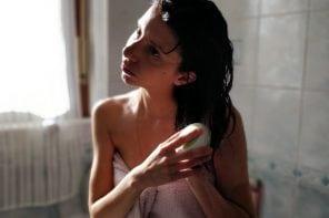 Beauty per le vacanze: cosa portare per unghie e capelli