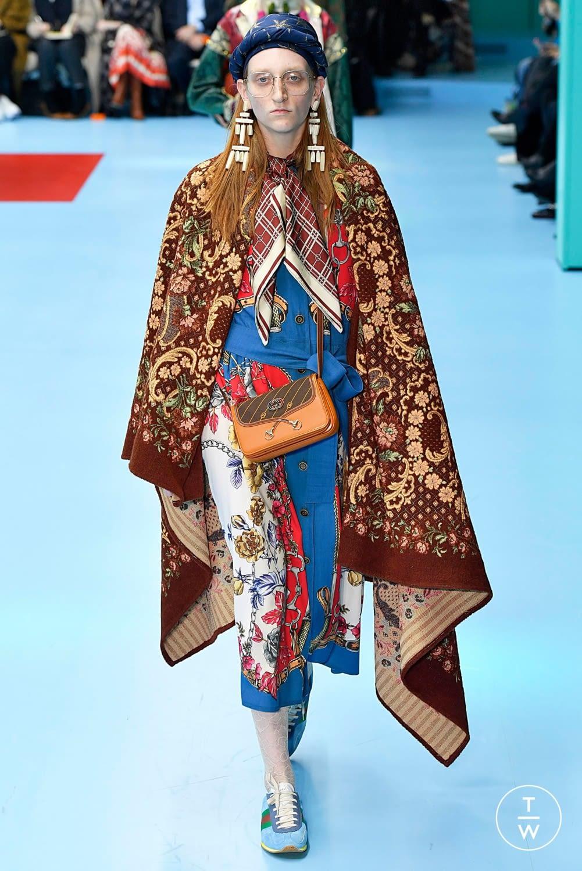 Fantasie di tendenza Gucci Foulard