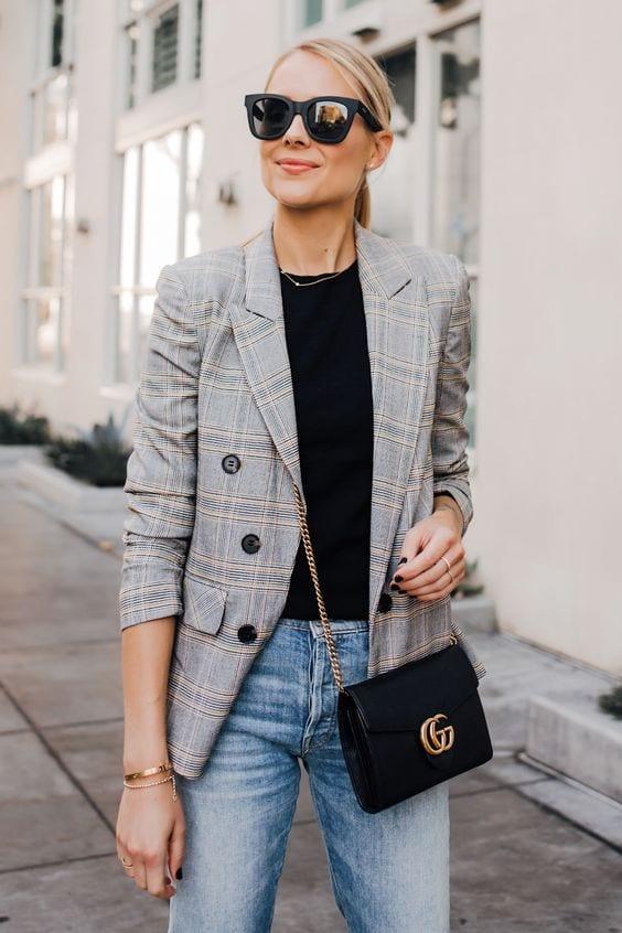 come vestirsi per un colloquio di lavoro blazer jeans